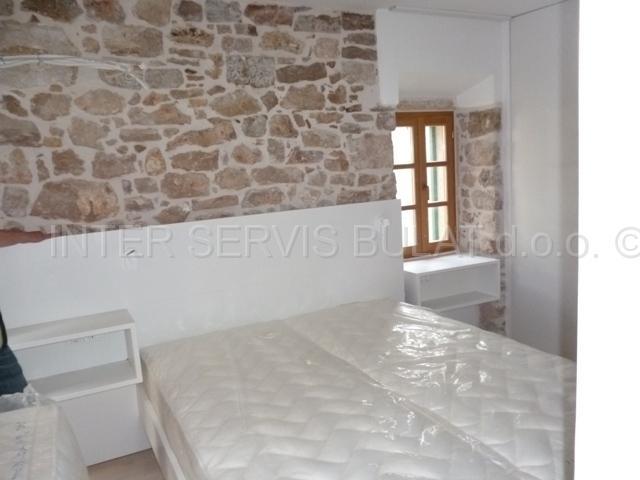 Predivna kamena kuća u povijesnoj jezgri :::. Kuće prodaja ŠIBENIK - nekretni...